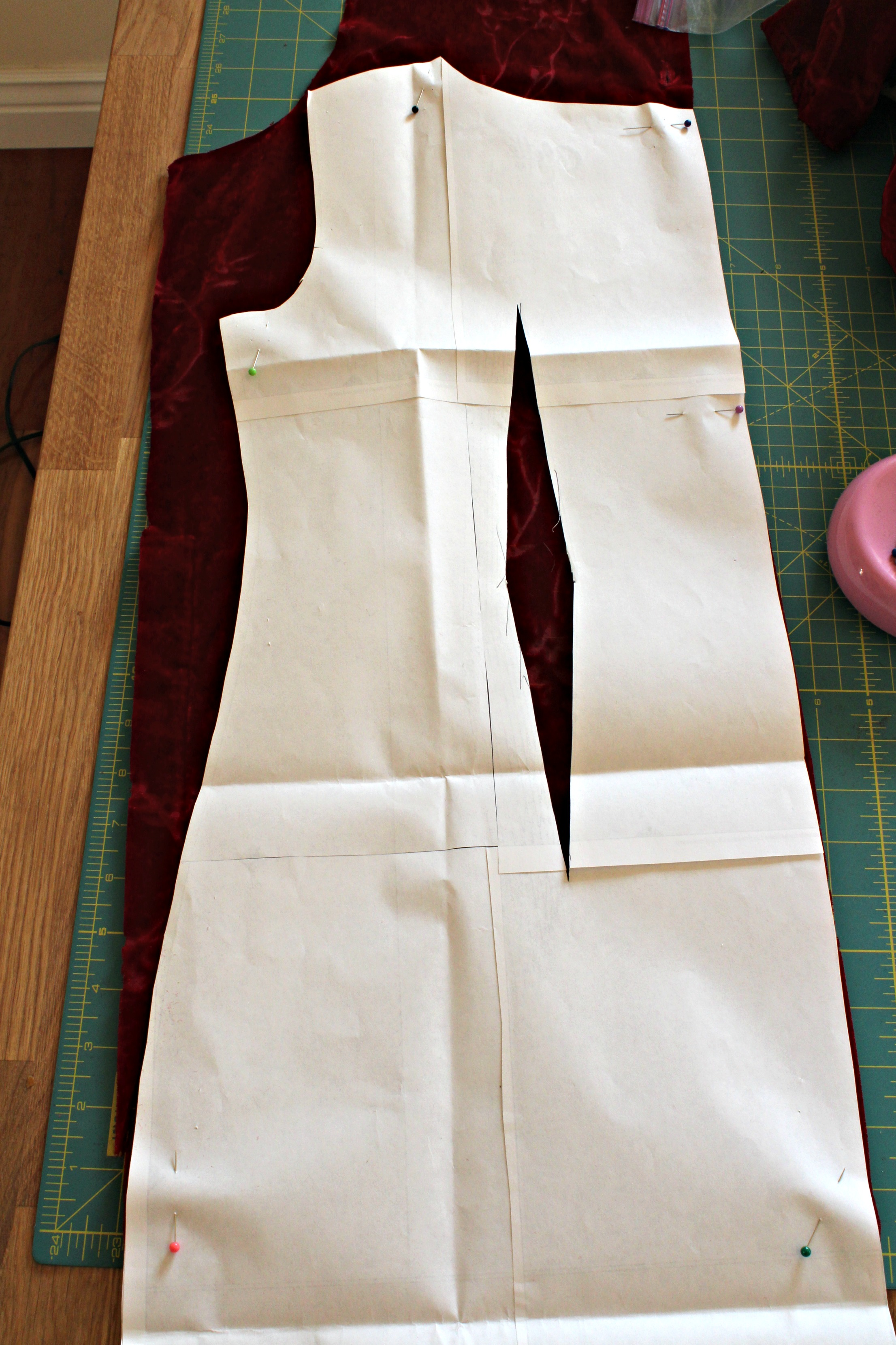 Back of the jumpsuit top. To get the blousy look I want, I won't sew the back seam.