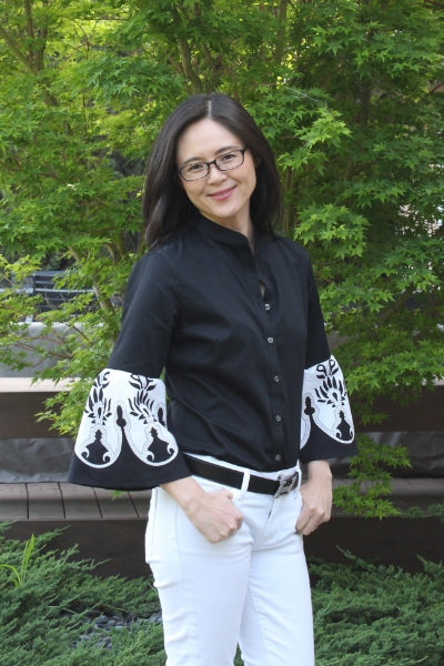 Easy upcycled shirt with statement sleeves refashion. This is a great project for beginning sewers.